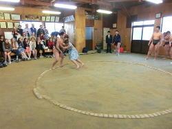 相撲体験(2) 「のこった のこった」