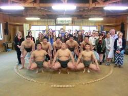 相撲部と記念撮影
